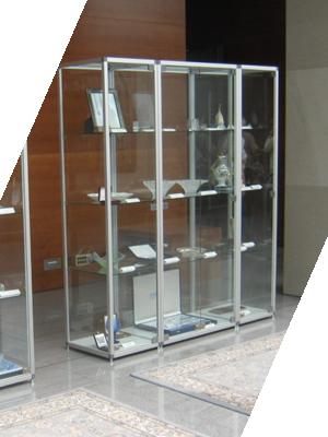 Stekleno pohištvo